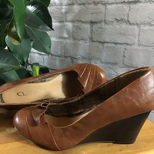 🧨SALE! 3/$20 Chinese Laundry brown 8M wedges 🍃